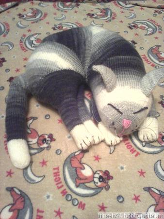 Спящий кот (игрушка-подушка) ручной работы на заказ