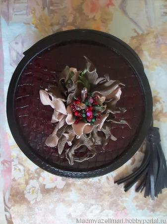 """Брошка """"Каменный цветок"""" из натуральной итальянской кожи ручной работы на заказ"""