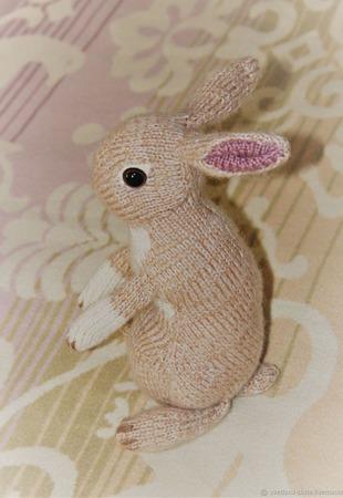 Кролик декоративный вязаный ручной работы на заказ