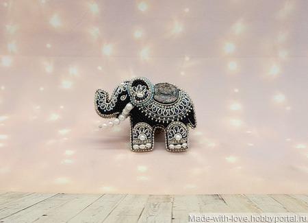 """Брошь """"Индийский слоник"""" ручной работы на заказ"""