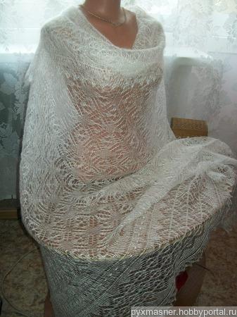 Оренбургская пуховая шаль-паутиночка ручной работы на заказ