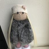 Интерьерная кукла с мехом шиншиллы
