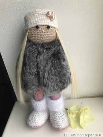 Интерьерная кукла с мехом шиншиллы ручной работы на заказ