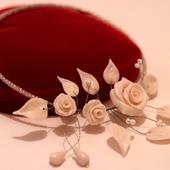 """Колье """"Белые розы"""""""