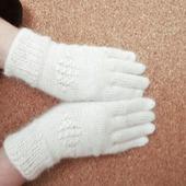 Перчатки пуховые белые