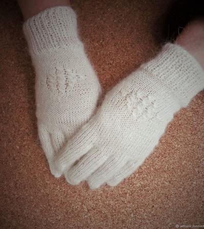 Перчатки пуховые белые ручной работы на заказ