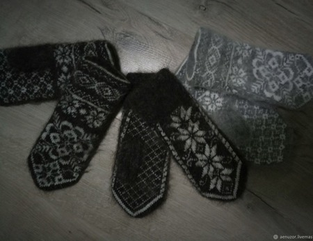 Теплые варежки с орнаментом ручной работы на заказ