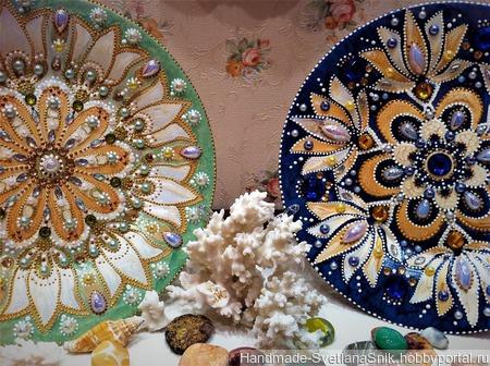 Декоративные тарелки на подставках ручной работы на заказ
