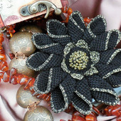 Брошь-цветок «Королевская Лилия»