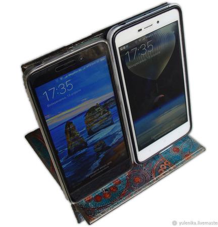 """Подставка под планшет смартфон или электронную книгу """"Волшебный лес"""" ручной работы на заказ"""