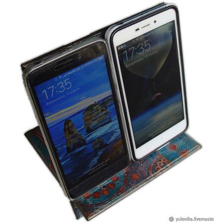 Подставка под смартфон планшет или ридер ручной работы на заказ