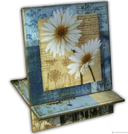 """Подставка под смартфон, планшет или электронную """"Полевые цветы"""" ручной работы на заказ"""