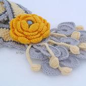 Шарф весенний Желтый цветок с брошью цветком