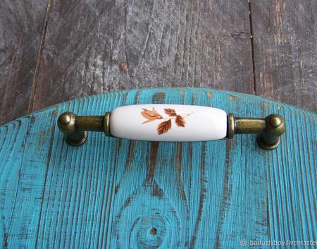 Поднос деревянный круглый с ручками ручной работы на заказ
