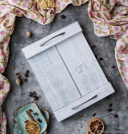 Поднос деревянный с ручками ручной работы на заказ