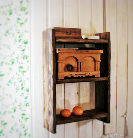 Деревянная полка для кухни ручной работы на заказ