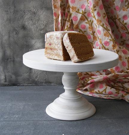 Подставка для торта белая ручной работы на заказ