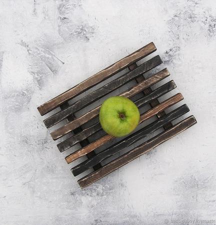 Поднос деревянный реечный ручной работы на заказ