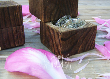 Свадебная шкатулка для колец ручной работы на заказ
