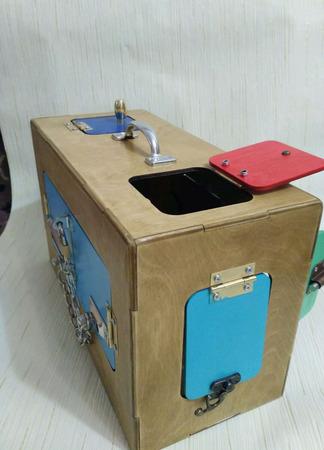 """Развивающий бизикуб """"Волшебный чемодан"""" ручной работы на заказ"""
