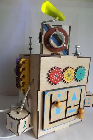 """Бизиборд """"Робот"""" ручной работы на заказ"""