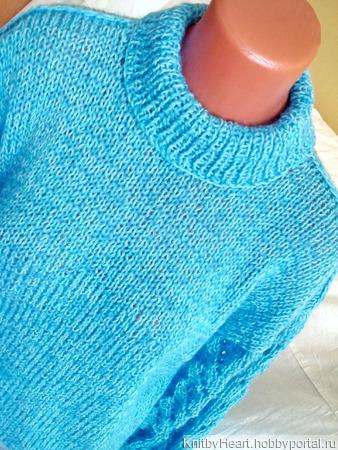 Стильный вязаный свитер с ажурными рукавами в Москве ручной работы на заказ