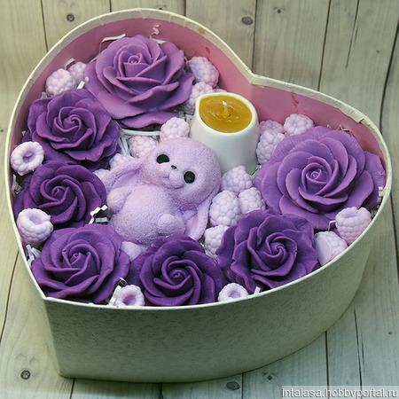 Подарочный набор из мыла и массажной свечи ручной работы на заказ