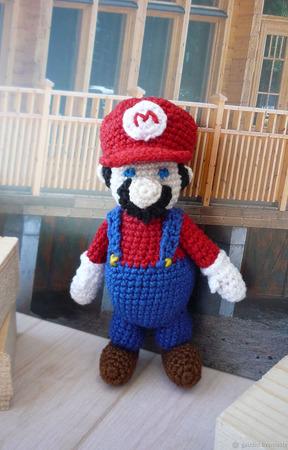 Марио из компьютерной игры ручной работы на заказ