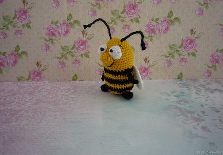 Пчела вязаная крючком ручной работы на заказ