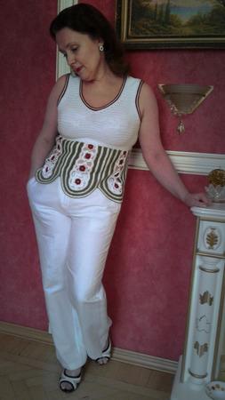 Белая летняя вязаная кофточка ручной работы на заказ