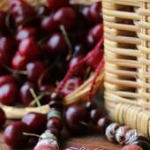 Колье «Черешневое лукошко»