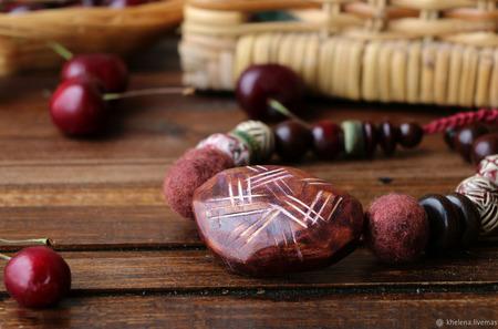 Колье «Черешневое лукошко» ручной работы на заказ