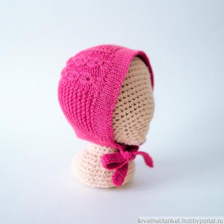 Чепчик и носочки для новорожденного (малиновый комплект) ручной работы на заказ
