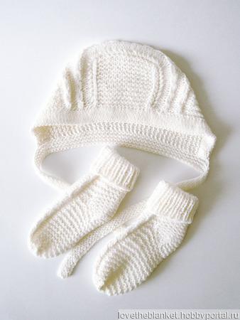 Чепчик и носочки для новорожденного (молочный комплект) ручной работы на заказ