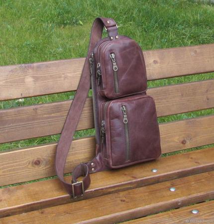 """Мужская кожаная сумка на одно плечо """"Кречет"""" ручной работы на заказ"""