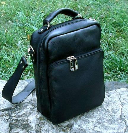"Мужская кожаная сумка планшет ""Лабр"" черная ручной работы на заказ"