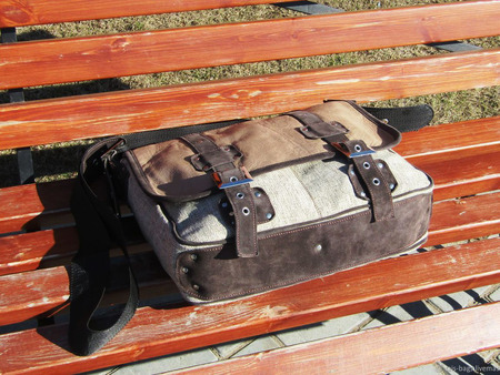 "Мужская кожаная с текстилем сумка-мессенджер ""Акцент"" бежевая ручной работы на заказ"