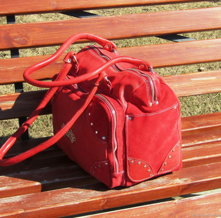 "Женская кожаная сумочка ""Ассоль"" алая ручной работы на заказ"