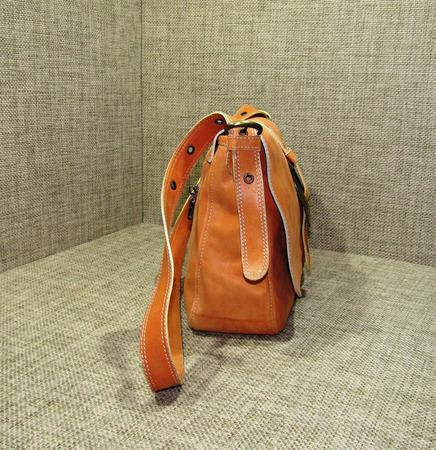 """Женская кожаная сумка на плечо """"Лилия"""" персиковая ручной работы на заказ"""