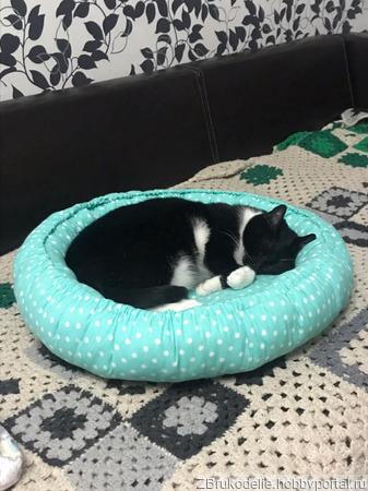 Лежак для кота или кошки ручной работы на заказ