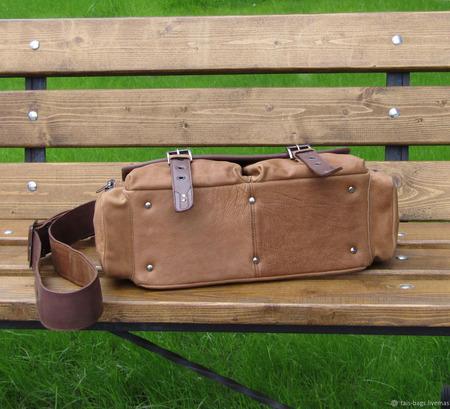 """Мужская кожаная сумка мессенджер """"Сафари"""" песочно-коньячного цвета ручной работы на заказ"""