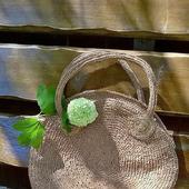 Круглая сумка из раффии