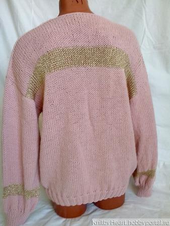 Вязаный свитер с вырезом и вставками в Ульяновске ручной работы на заказ