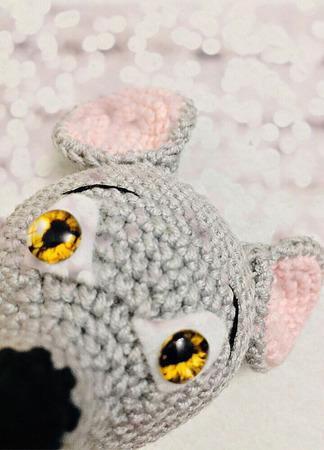 Игрушка амигуруми Мышка Пипика ручной работы на заказ