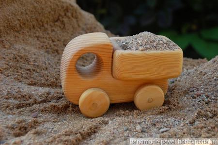 Деревянный грузовичок ручной работы на заказ