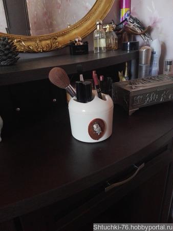 Подставка для декоративной косметики ручной работы на заказ