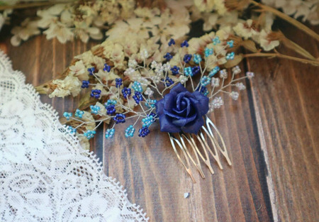 Гребень с синим цветком ручной работы на заказ