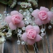 Шпильки для волос с розами и веточками из бусин