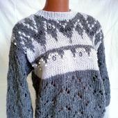 Жаккардовый свитер расшитый чешским бисером и жемчужными бусинами