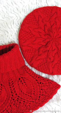 Красный комплект - берет и манишка ручной работы на заказ